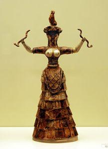 Minoisk stauett av en prestinne. Foto: Wikimedia Commons