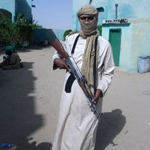 By Magharebia - Al-Qaeda creates Touareg-led brigade | القاعدة تنشئ كتيبة بقيادة طوارقي | Al-Qaida crée une brigade dirigée par des Touaregs, CC BY 2.0, https://commons.wikimedia.org/w/index.php?curid=23633229